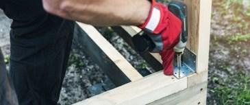 Jakie wkręty i łączniki powinniśmy używać do drewna? Poradnik
